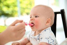 Primele rețete pentru bebelusi pe luni la începutul diversificării se recomanda a fi preparate prin moetode blande si dintr-o varietate de legume, fructe si cereale. Severe Eczema, Baby Puree, Natural Yogurt, Baby Eating, Happy Foods, Friends Mom, My Children, Breastfeeding