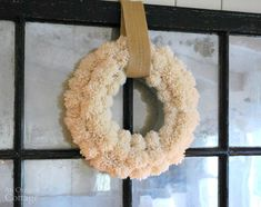 DIY Wool-Pom-Pom-Wreath