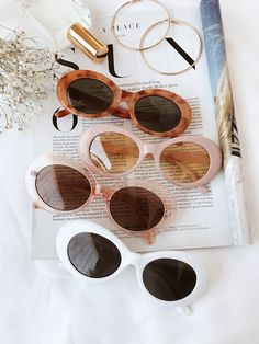amazing retro sunglasses, love the vintage vibe The Love Tempo Tortoise Sunglasses Cute Glasses, Glasses Frames, Free Printables Vintage, Oval Sunglasses, Sunglasses Women, Vintage Sunglasses, Summer Sunglasses, Tortoise Shell Sunglasses, Pinterest Women
