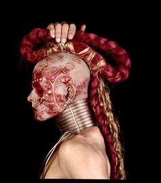 Phot by Isabel Muñoz Eslava, Avant Garde Hair, Post Apocalyptic Fashion, Tribal People, Drag, Fantasy Makeup, Body Modifications, War Paint, Hair Art