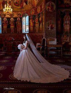 #weddingdress #instawedding #trashthedress #photography #photo #photographer #mariage  #weddinginspiration #brideswithstyle  #storyteller #shadows #blackandwhitephoto #weddingceremony #romania #bride #lovely #nunta #mireasa #weddingdress Wedding Pics, Wedding Ceremony, Wedding Day, Wedding Dresses, H Style, Romania, Storytelling, Wedding Inspiration, Wedding Photography