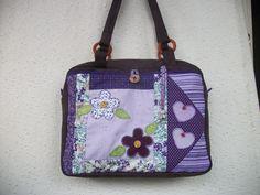 Bolsa Patchwork com tres bolsos internos artsboomer.blogspot.com.br
