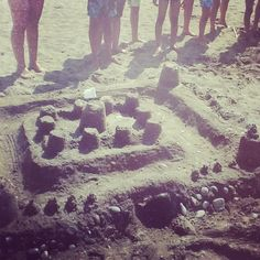 """Si è appena concluso il Torneo """"Castelli di sabbia"""" organizzato dalle nostre animatrici...bravissimi tutti i bambini che hanno partecipato! #hotelmarinetta #spiaggia #mare #torneo #castelli #toscana"""