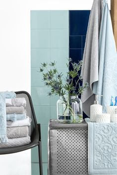Turn Your Bathroom Into A Relaxing Haven With Plush Towels And - Plush towels for small bathroom ideas