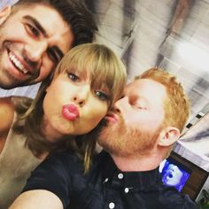 """Pin for Later: All the Celebrities Who Popped Up at Taylor Swift's Sold-Out LA Shows Jesse Tyler Ferguson and Justin Mikita Jesse said, """"So excited to see our first @taylorswift concert tonight! Thrilled to finally meet her! What a sweet, gracious & beautiful woman!"""""""