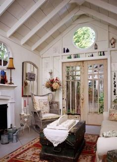 40 Tini Shed Houses Ideas - Explain what it is you are likely to do when you leave the house for college or your very first apartment beyond the home. The sort of house might als. by Joey Guest House Shed, Shed To Tiny House, Guest Houses, Shabby Chic Homes, Shabby Chic Decor, Shabby Cottage, Rustic Decor, Shabby Chic Cabin, Shabby Bedroom
