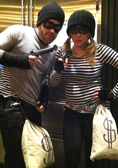 Easy Couple's Costume...must remember this
