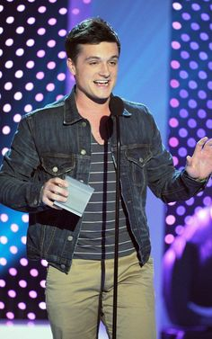 """Josh Hutcherson attended the NextNowNext Awards yesterday. And while the awards show doesn't air until the 9th, they have announced Josh as the winner of their """"Next Mega Star"""" award!"""