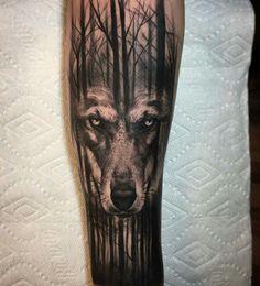 wolf lobo brazo tatiaje arm tattoo