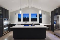 Large square kitchen layout incredible modern u shaped kitchen design with cathedral white ceiling large square Luxury Kitchen Design, Best Kitchen Designs, Interior Design Kitchen, Kitchen Ideas, Interior Paint, Kitchen Cabinets Decor, Kitchen Cabinet Design, Kitchen Flooring, Kitchen Appliances