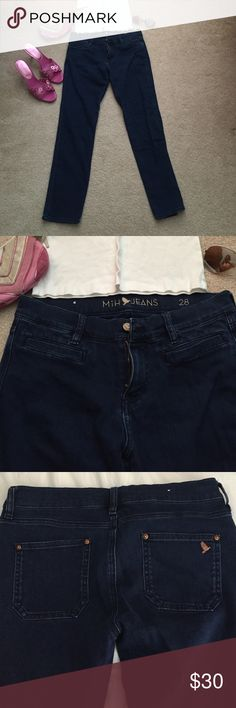 """Cropped jeans Anthropologie's MiH Paris Jean. Mid rise, cropped and slim leg. 28"""" inseam. Excellent condition. Anthropologie Jeans Ankle & Cropped"""
