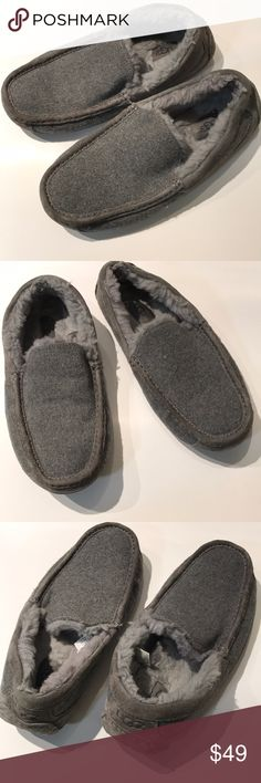 Like new men's gray Ugg Ascot slip on 3233 Sz 9 Gosh darn comfy ... worn twice , I get sleepy wearing them , they've got to go. Materials include wool , suede , shearling , dream dust UGG Shoes Loafers & Slip-Ons