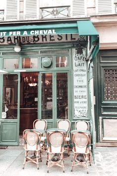 French Coffee Shop, Vintage Coffee Shops, Cozy Coffee Shop, Vintage Cafe, Coffee Shop Interior Design, Coffee Shop Design, Cafe Design, Cozy Cafe Interior, Coffee Shop Aesthetic