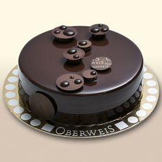 For chocolate lovers. Fancy Desserts, Fancy Cakes, Delicious Desserts, Chocolate Desserts, Chocolate Cake, Cupcake Cakes, Cupcakes, Cake Truffles, Decoration Patisserie