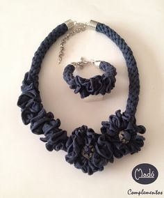 Madó Luaces : Conjunto de collar y pulsera en color azul