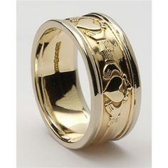 Gold Claddagh Rings - Love, Loyalty, Friendship marks the meaning behind the Claddagh Ring. Wear the Claddagh to honor a friendship. Give the Claddagh to celebrate your heritage. Made in Ireland. Irish Wedding Rings, Wedding Ring Styles, White Gold Wedding Bands, Wedding Jewelry, Gold Claddagh Ring, Celtic Rings, Vintage Engagement Rings, Fashion Rings, Women's Fashion
