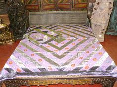 Mogulinterior Architectural elements belonged to old indian castles and mansion used for re-modeling spanish home,mediterranean homes Indian Bedding, Silk Bedding, Purple Bedspread, Indian Furniture, Mediterranean Homes, Architectural Elements, Bed Spreads, Bed Sheets, Lavender