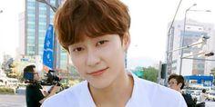 UNIQ(유니크) é um grupo sino-coreanocomposto por 5 membros: 3 chineses (Yixuan, WenHan e Yibo) e 2 sul-coreanos (SeungYoun e SungJoo). Agenciado oficialmente pela YueHua Entertainment, UNIQ debut…