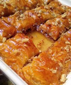 """Νόστιμη συνταγή μαγειρικής από """"Tzeni Tsanaktsidou -ΑΓΑΠΑΜΕ ΜΑΓΕΙΡΙΚΗ!!!!! ΑΓΑΠΑΜΕ ΖΑΧΑΡΟΠΛΑΣΤΙΚΗ!!!!!!"""" ΥΛΙΚΑ - ΕΚΤΕΛΕΣΗ: 15 φυλλα κρουστας βηρυτου,300 γρ καλο αγελαδινο βουτυρο λιωμενο και στραγγισμενο,500 γρ καρυδια ψιλοκομμενα,1 κουταλακι του γλυκου κανελα,μισο κουταλακι του γλυκου Greek Sweets, Greek Recipes, Macaroni And Cheese, Sweet Tooth, Bacon, Pork, Meat, Chicken, Cooking"""