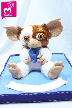 Gremlins Gizmo Cake...NO WAY!!! This is SOOO cool! I want it!