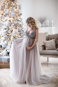 Baby shower outfit maternity dresses Ideas for 2019 Maternity Gowns, Stylish Maternity, Maternity Fashion, Maternity Cocktail Dresses, Pregnancy Formal Dresses, Dresses For Pregnant Women, Pregnant Wedding Dress, Shower Outfits, Baby Shower Dresses