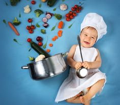 Baby boy in chef hat with cooking pan and vegetables Monthly Baby Photos, Baby Boy Photos, Baby Pictures, Foto Newborn, Baby Boy Newborn, Newborn Baby Photography, Newborn Photos, Foto Baby, Baby Milestones