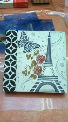 Hermoso... ❤❤❤❤❤ Decoupage Box, Decoupage Vintage, Collage Frames, Pretty Box, Stencil Art, Diy Canvas, Casket, Vintage Cards, Crafts To Sell
