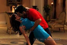 First on-screen liplock of Bollywood celebs http://toi.in/StbDlb