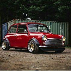 Red Mini Cooper, Mini Cooper Classic, Classic Mini, Classic Cars, Peugeot, Mini Countryman, Mini Clubman, Lamborghini, Ferrari