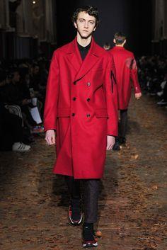 Kris Van Assche Fall 2015 Menswear Fashion Show