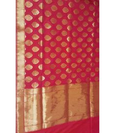 Pink Pure Handloom Silk Georgette Banarasi Saree--------------------Wedding day is perhaps the most important day in the life of a woman. Every bride harbors the desire to look her best on this very special day. And among the plethora of things that make her glow and look beautiful, bridal sarees occupy the most important part.---------Sarees from luxurionworld.com