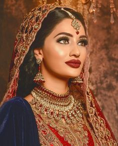 Pinterest: @pawank90 Pakistani Wedding Dresses, Pakistani Bridal, Bridal Dresses, Desi Bride, Desi Wedding, Bridal Looks, Bridal Style, Bridal Hair And Makeup, Hair Makeup