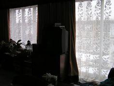 Des roses pour un rideau (Roses for a curtain)