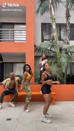 Some Funny Videos, Funny Video Memes, Funny Short Videos, Black Girls Pictures, Black Girls Videos, Dance Choreography Videos, Dance Videos, Tupac And Jada, Best Twerk Video