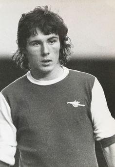 Frank Stapleton of Arsenal in Wenger Arsenal, Arsenal Fc, Football, 1970s, Fandom, Soccer, Futbol, American Football, Arsenal F.c.
