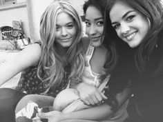Pretty Little Liars - Sasha Pieterse, Shay Mitchell and Lucy Hale