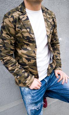 Спортно елегантни сака онлайн магазин в зелен камуфлаж. Жесток модел мъжко сако, с което да изпъкнете с онлайн магазин Kapriz.eu