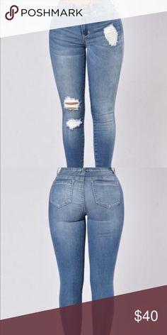 Shape shifter jeans-medium stone wash Skinny Leg Distressed 3 Button Design High Waist 98% Cotton 2% Spandex Fashion Nova Jeans Skinny