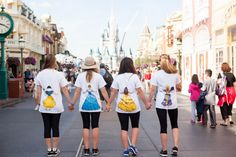 DIY Disney Tshirts | Anna Filly Blog | Damsels Take Disney 2015 | http://www.annafillyblog.com
