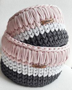 Crochet ideas that you'll love Crochet Bowl, Crochet Basket Pattern, Knit Basket, Crochet Yarn, Crochet Stitches, Crochet Patterns, Yarn Projects, Crochet Projects, Crochet Prayer Shawls