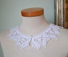 Lace crochet collar white cotton cotton pearly button por Berniolie, $35.00