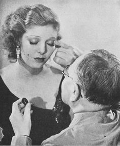 Vintage Hairstyles Max Factor Make-up Masterclass 1931 1930s Makeup, Vintage Makeup, Vintage Beauty, Hollywood Makeup, Old Hollywood, 1930s Hair, Retro Updo, Ziegfeld Follies, Applying Eye Makeup