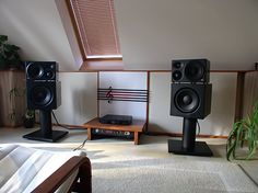 Klein & Hummel o 300 active monitors mated to what looks like KH 810 active subs.