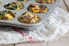 Ei muffins. Eén van de meest geweldige makkelijke ontbijt-lunch-avondeten gerechten. Eigenlijk een omelet in handige miniporties, helemaal paleo proof!