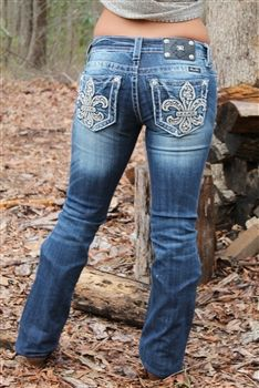 Miss Me Rhinestone Cross Bootcut Jeans Country Wear, Country Girls Outfits, Cowgirl Outfits, Western Outfits, Western Wear, Cowgirl Jeans, Southern Outfits, Cowgirl Fashion, Winter Fashion Casual