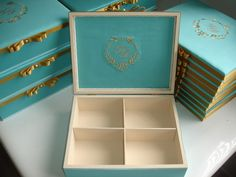 turquoise accent colour box