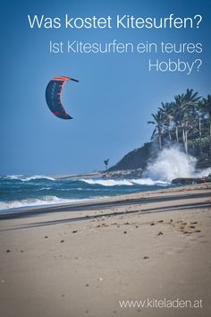In diesem Artikel erfährst Du, wieviel Geld Du ausgeben musst, bis Du Kitesurfen kannst, Dein eigenes Material besitzt und ohne fremde Hilfe am Kitestrand ohne Lehrer weiterüben kannst. Was Kitesurfen kostet, das hängt von vielen verschiedenen Faktoren ab und das werden wir in weiterer Folge noch genauer analysieren.   #kitesurfen #kosten #kitesurf