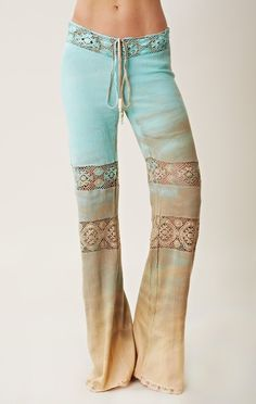 Michelle Jonas Mich Drawstring Gauze Pants -- Epic Rights along with Perryscope Represents Woodstock for Branding and Licensing Gypsy Style, Hippie Style, Hippie Boho, Style Me, Hippie Pants, Boho Pants, Estilo Hippy, Estilo Rock, Bohemian Mode