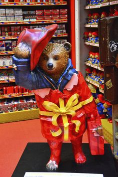 London, Paddington Bear Trail, Bearer Of Gifts By Hamleys