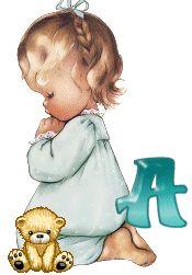 Alfabeto de nenita rezando.